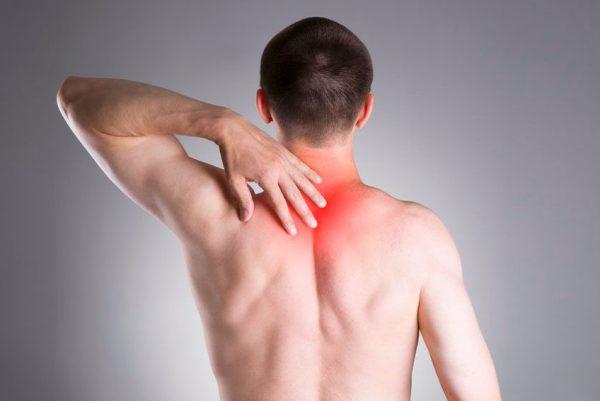 остеохондроз грудного отдела позвоночника вызывает боль между лопатками
