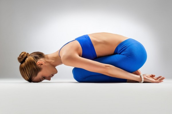 йога для позвоночника - поза ребенка