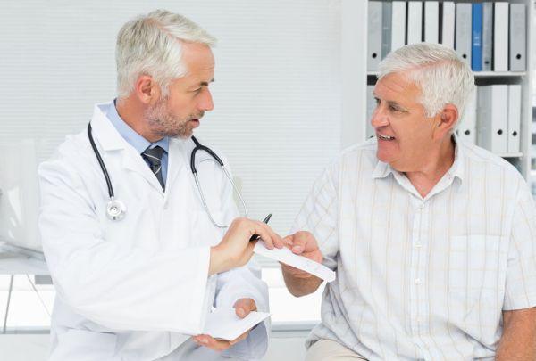 врач поможет отличить боли в сердце от невралгии