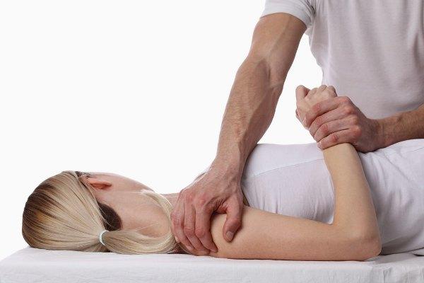 Мануальный терапевт и остеопат: в чем разница