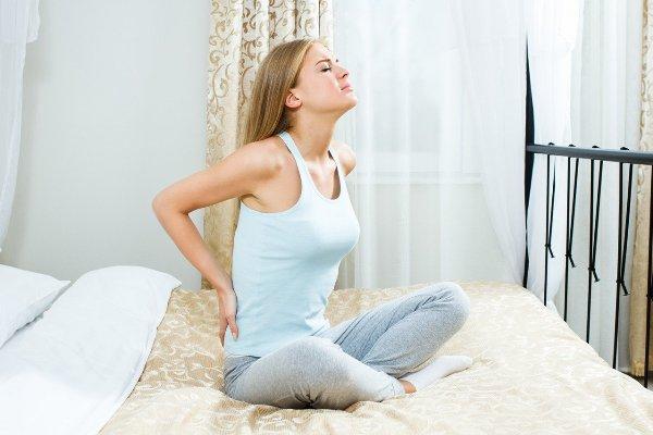 Болит спина после сна